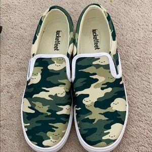 Bucket feet slide on sneakers size 9.5